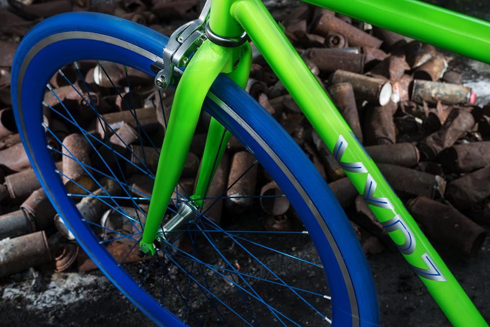 Striking-Green-detail-1