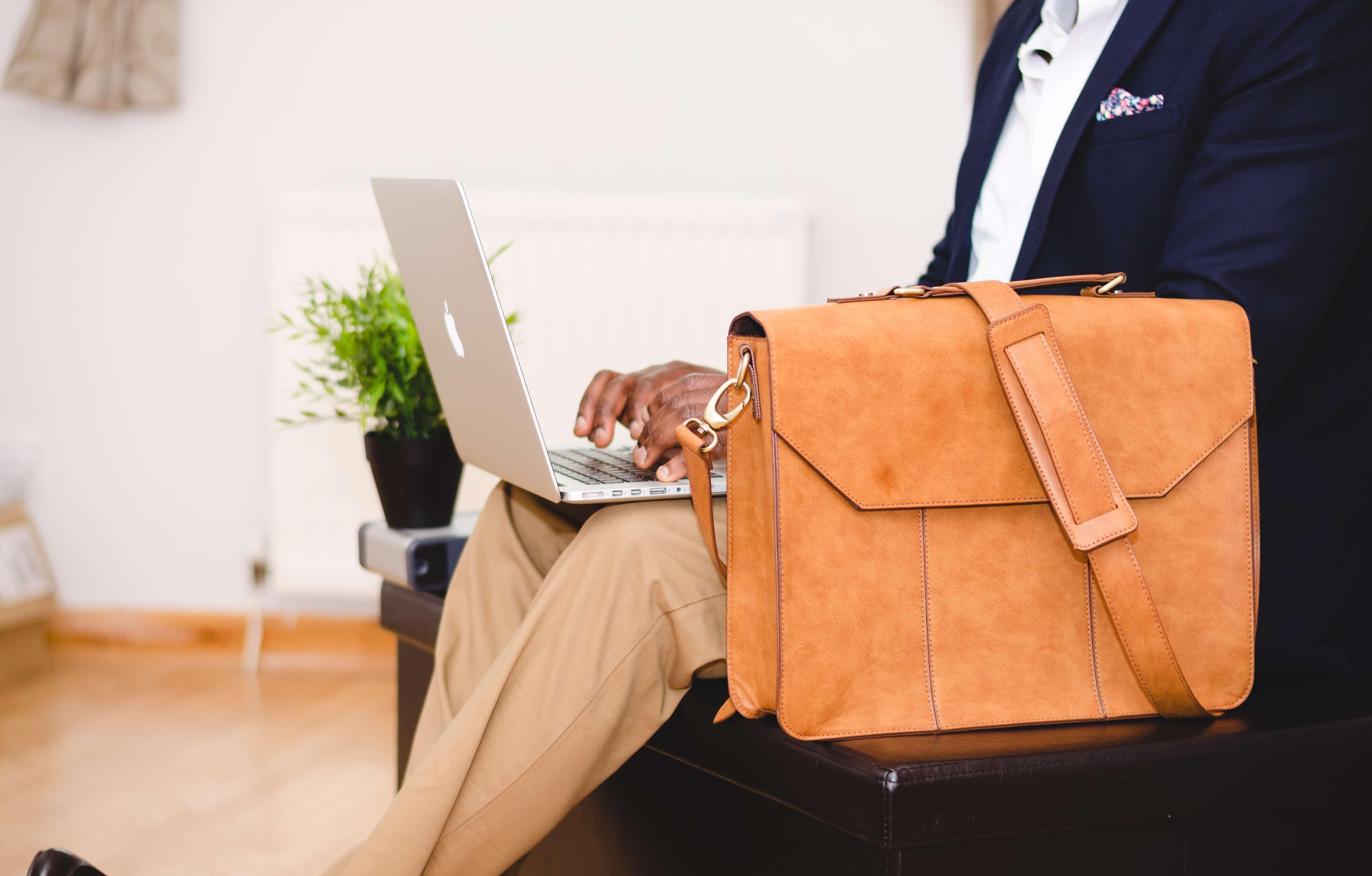 Wat is belangrijk bij een laptoptas?