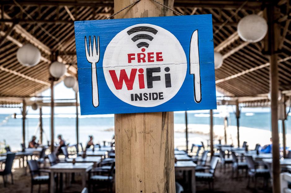 Overal altijd je eigen wifi hotspot met een mifi router.