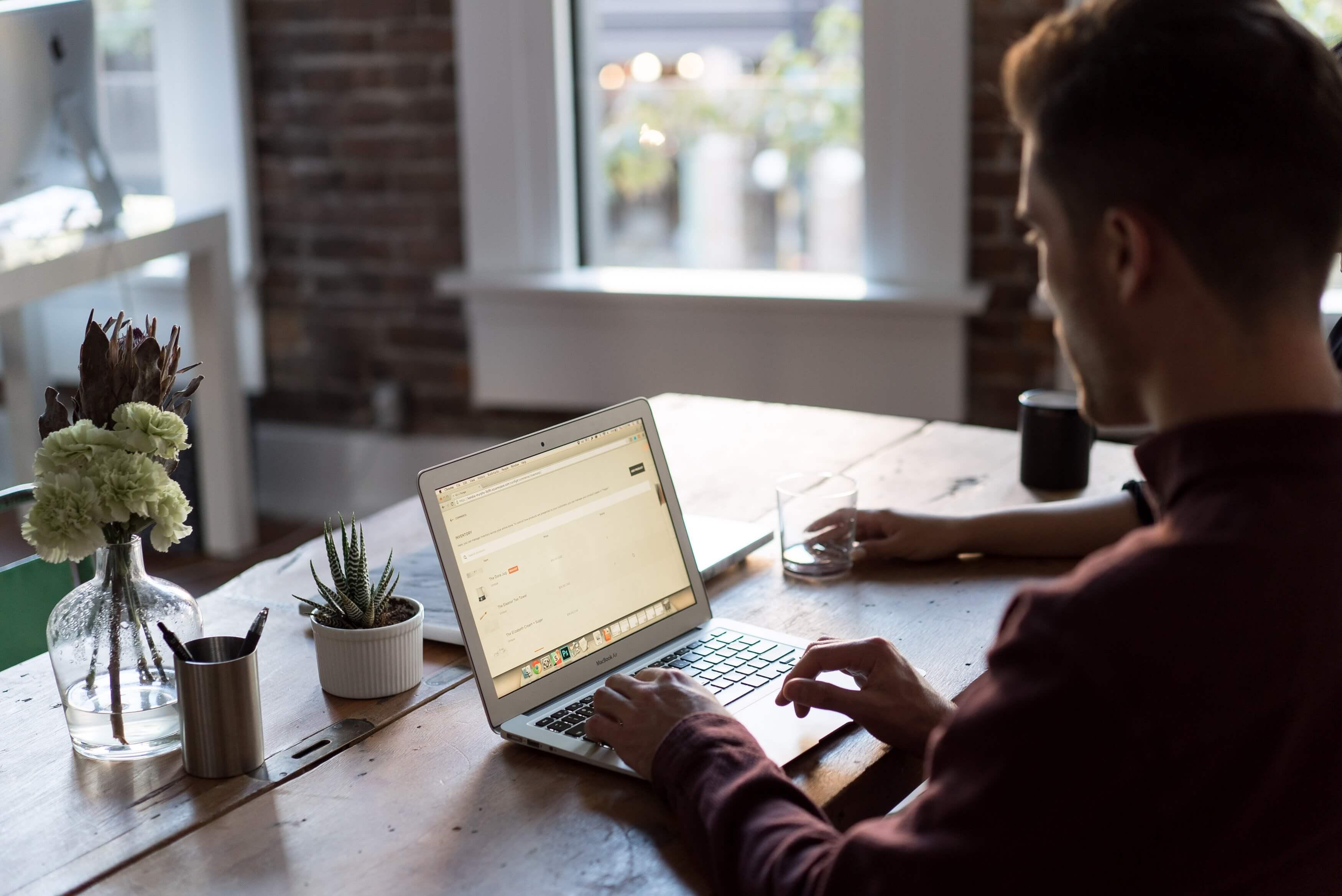 Waarom een website bouwer inschakelen?